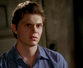 Evan Peters as Kit Walker on American Horror Story Season 2 Asylum S02E04 2