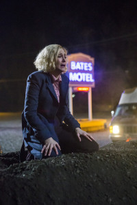 Bates-Motel-Crazy-3x09-promotional-picture-bates-motel-38437879-2000-3000