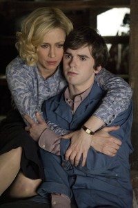 Bates-Motel-The-Last-Supper-3x07-promotional-picture-bates-motel-38387785-2832-4256