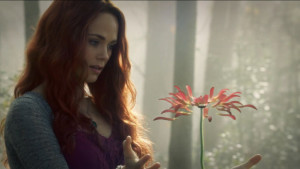 Katrina-flower-Sleepy-Hollow-2x15-Spellcaster-e1422994301248