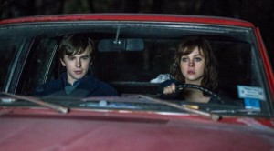bates-motel-season-3-unconscious-norman-and-bradley-in-the-car